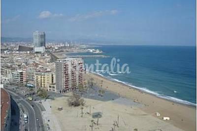 Playa la barceloneta en barcelona barcelona apartamentos y casas de vacaciones - Apartamentos en la barceloneta ...