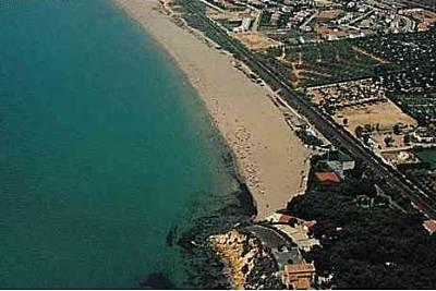 Playa Llarga Roda De Bara En Roda De Bar Tarragona