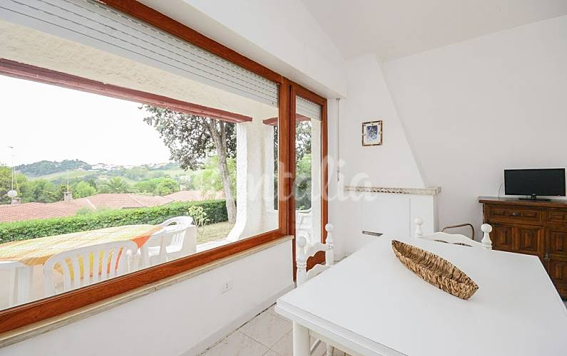 Apartamento para 6 personas en marcas villaggio taunus - Ancona cocinas ...