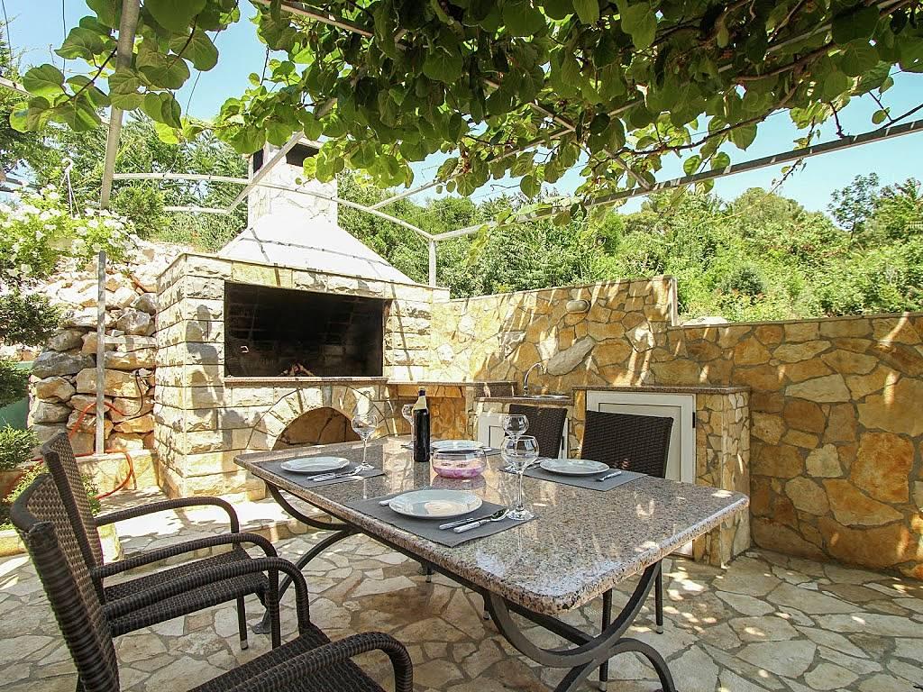 Apartamento en alquiler en trogir trogir split dalmacia - Table en pierre exterieur ...