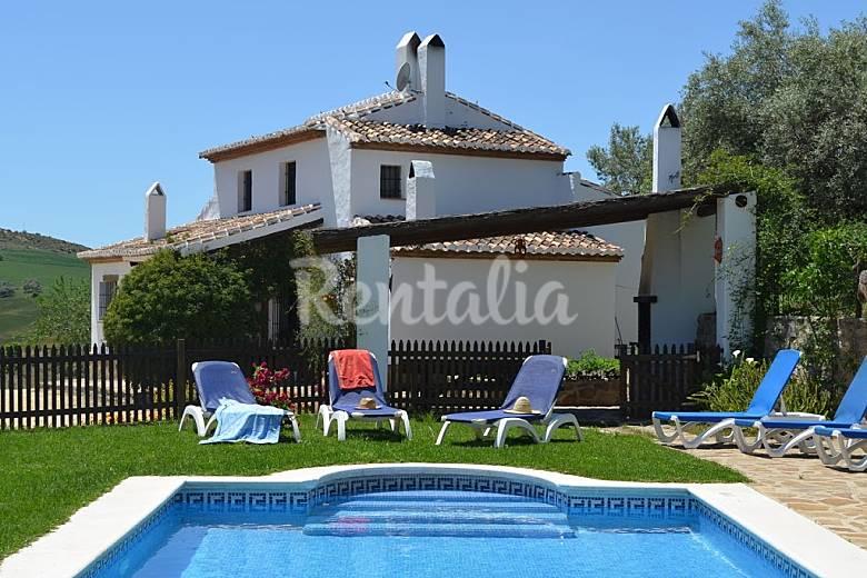 Villa para 8 personas en andaluc a la joya antequera for Casa rural para cuatro personas con piscina