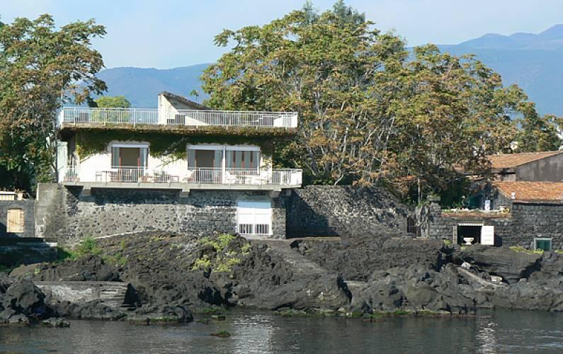 Villa Per 2 13 Persone Con Terrazza A Bordo Mare Pozzillo