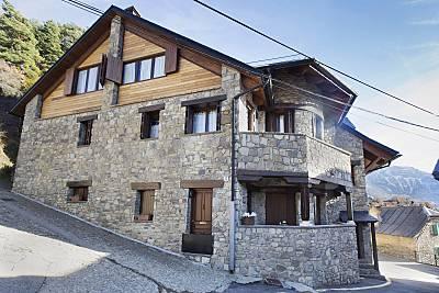 Casa Duplex y Atico Abuhardillado Huesca