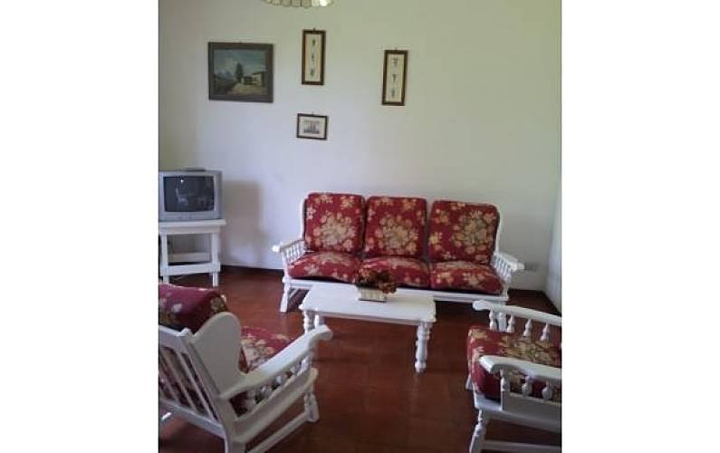 Casa in affitto a 1000 m dalla spiaggia vittoria apuana for Piccoli piani di casa sulla spiaggia su palafitte