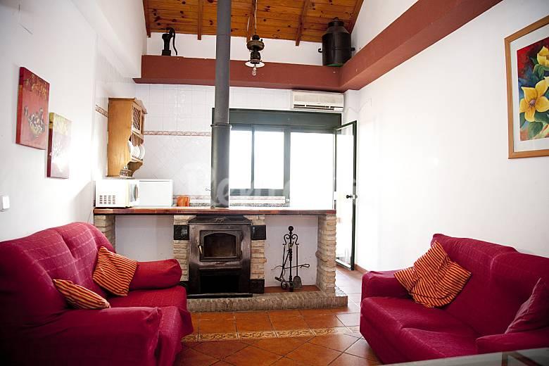 Casa en alquiler en sevilla castilblanco de los arroyos for Alquiler de casas en benacazon sevilla