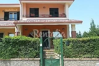 Villa zur Vermeitung, 500 Meter bis zum Strand Crotone