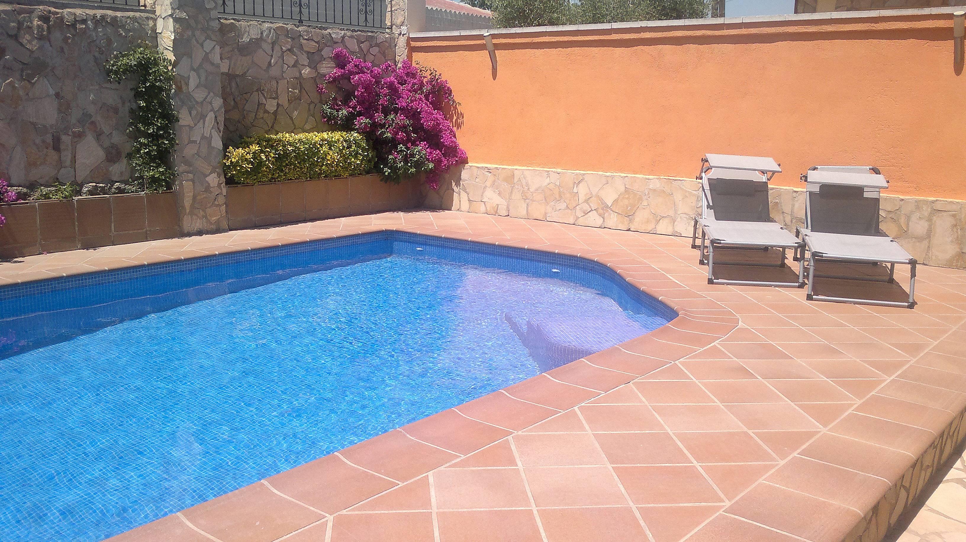 Casa familiar con piscina lloret de mar girona gerona for Piscina lloret