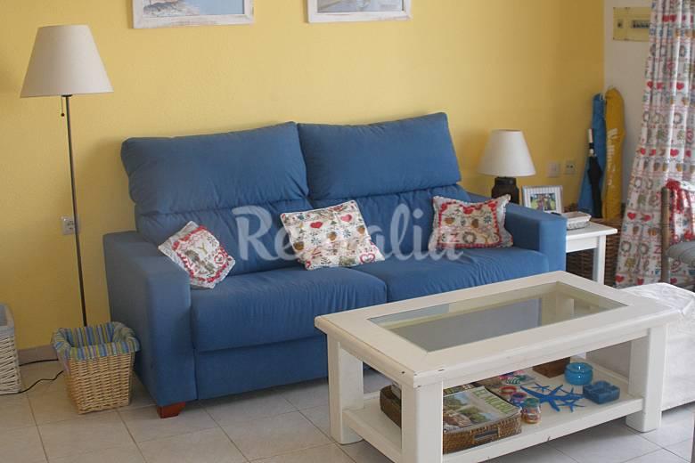 Apartamento en alquiler a 1000 m de la playa pe scola for Registro bienes muebles castellon