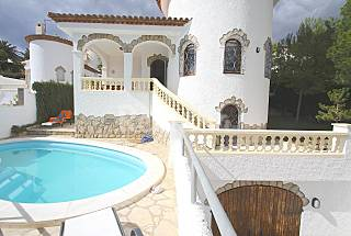 Villa for rent only 160 meters from the beach Tarragona