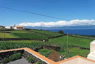 Vivenda para 6-7 pessoas a 400 m da praia Ilha do Pico