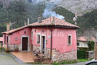 Ribadesella, casa 2-4 personas , mar y montaña Asturias