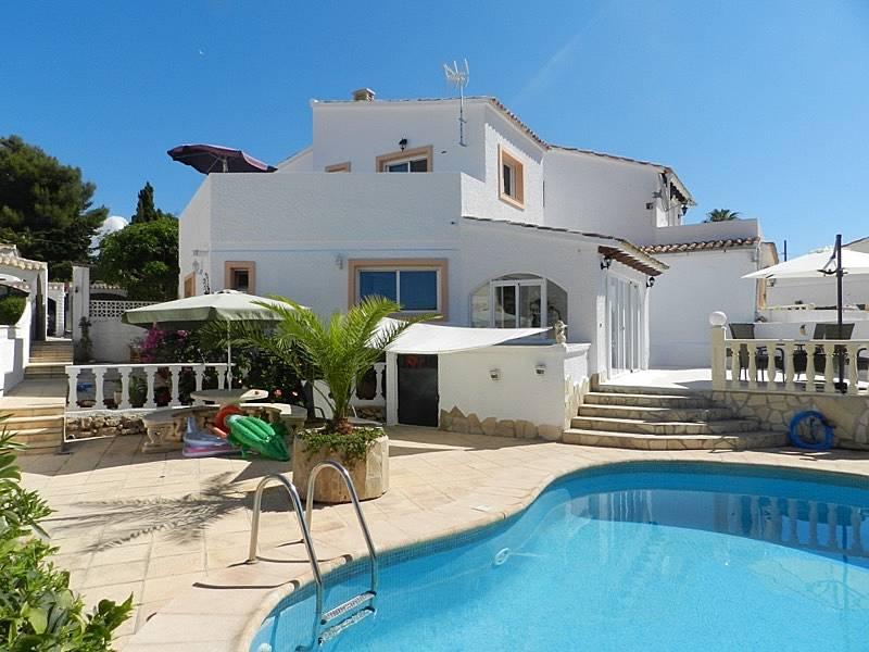 Casa zinat chalet con piscina privada calpe calp for Piscinas calpe