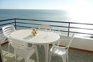 Apartment for 4-5 people on the beach front line Tarragona