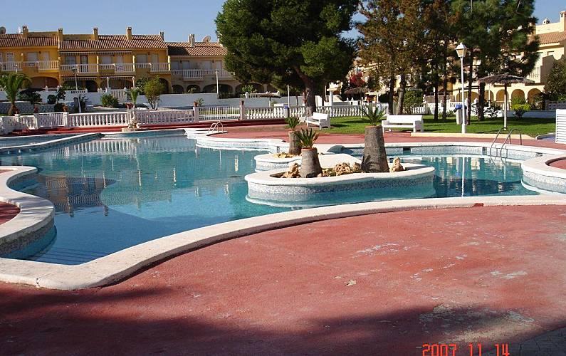 Huis te huur op 1200 meter van het strand cala d 39 or el campello alicante costa blanca for Terras strijkijzer