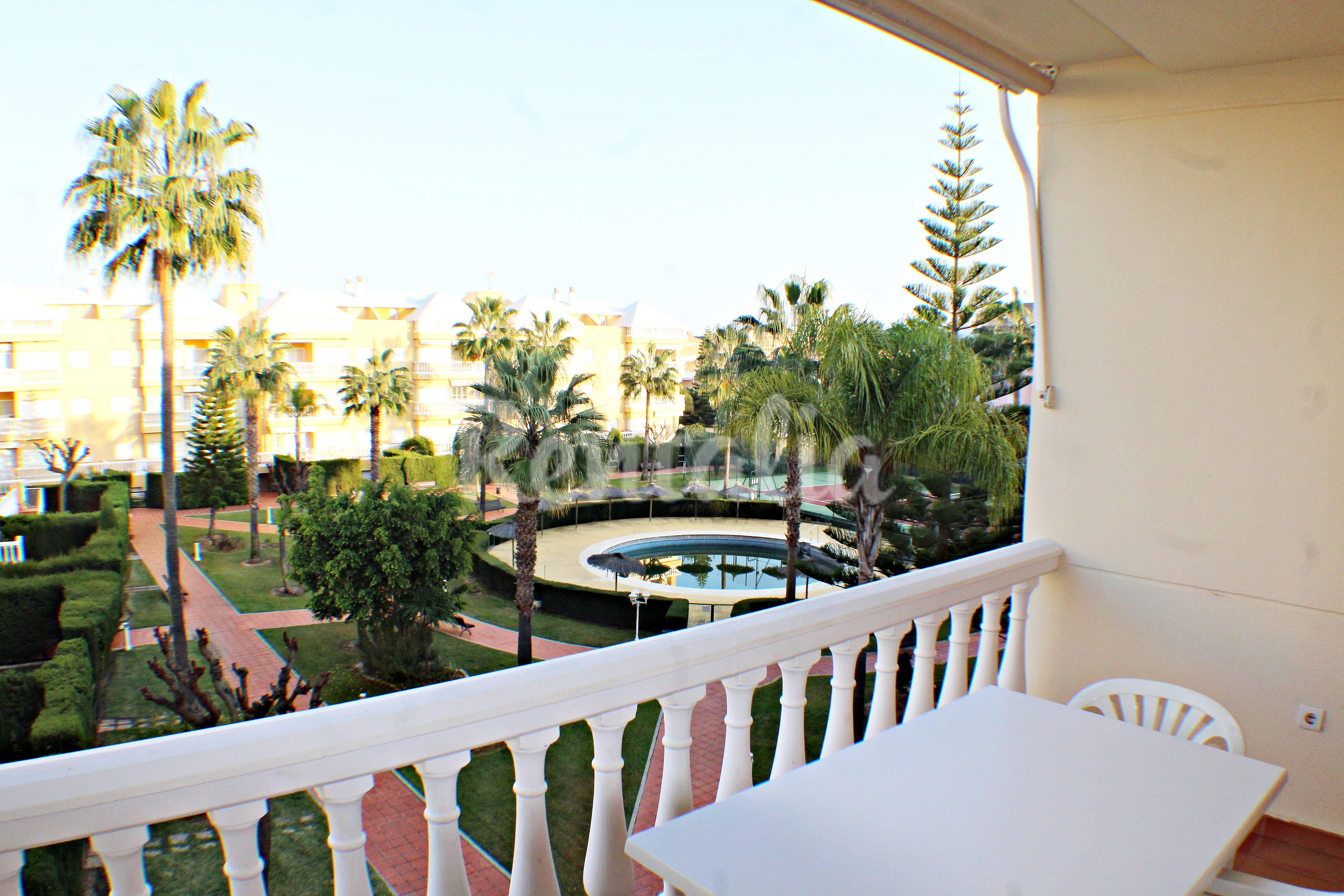 Apartamento de 3 habitaciones a 100 m de la playa - Rentalia islantilla ...
