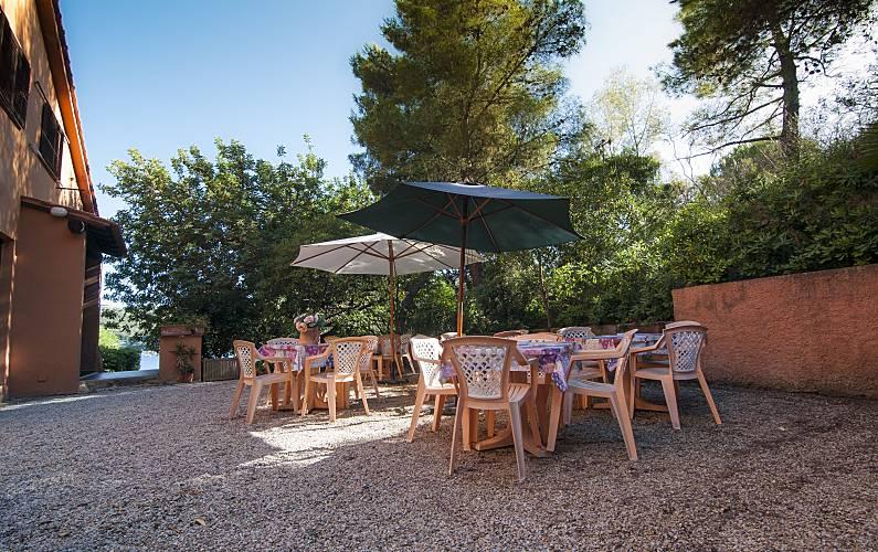 Isola d 39 elba monolocale con terrazza vista mare mola porto azzurro livorno isola d 39 elba - Casa con giardino livorno ...