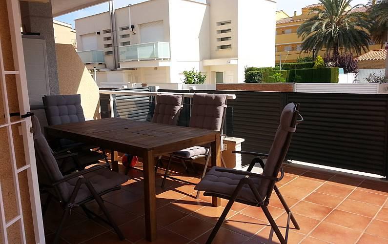 Apartamento para 4 6 personas a 150 m de la playa for Registro bienes muebles castellon