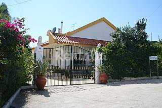Beautiful villa with private pool near the river  Lisbon