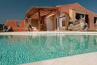 Villa en alquiler a 800 m de la playa Olbia-Tempio