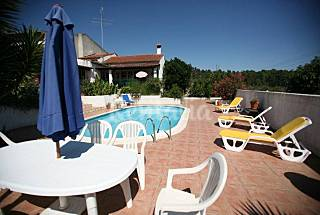 House for 4/5 people with swimming pool Leiria