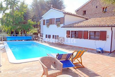 CIVETTA App.to con piscina a 10 km dalla spiaggia Ancona