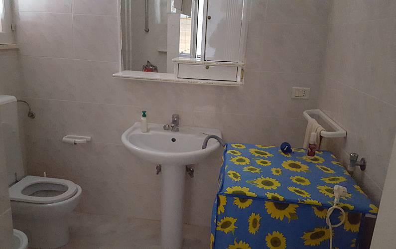 Casa di nuova costruzione con 3 camere da letto posto for 3 camere da letto 3 piani del bagno