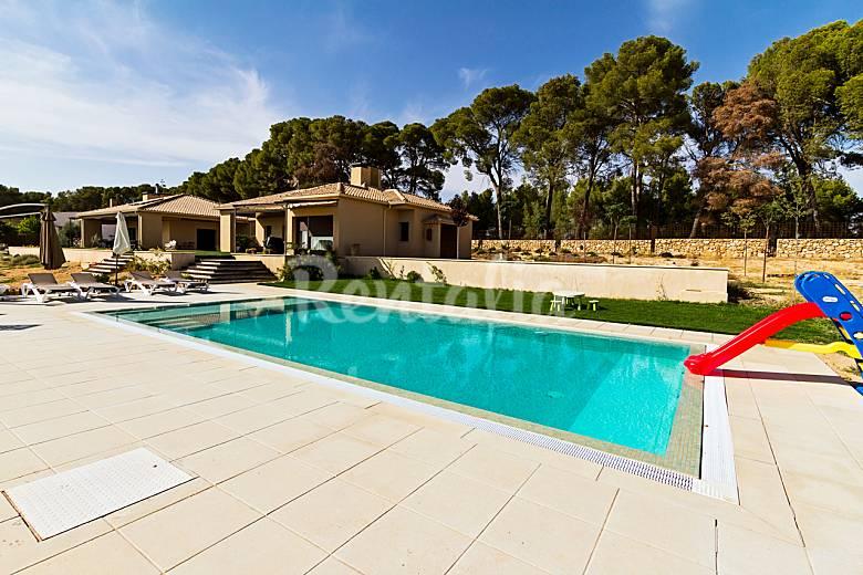 Casa para 6 9 personas con piscina corral de almaguer for Casa rural para cuatro personas con piscina