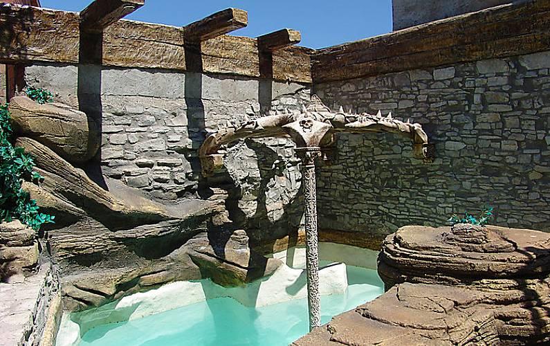 Villa para 8 personas con piscina pallerols talavera for Piscinas talavera