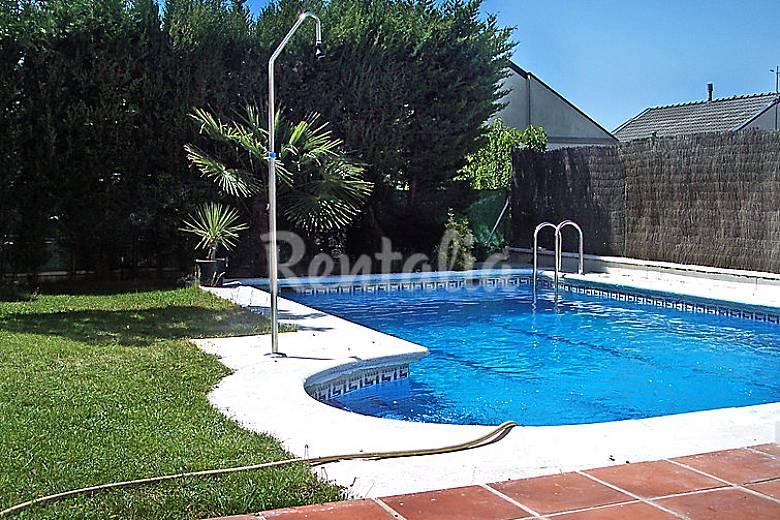 Villa para 8 personas con piscina las coronas rivas for Piscina rivas