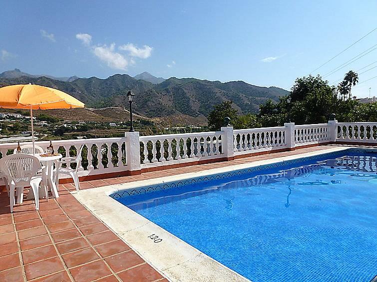 Villa pour 7 personnes avec piscine nerja malaga costa for Villa malaga piscine