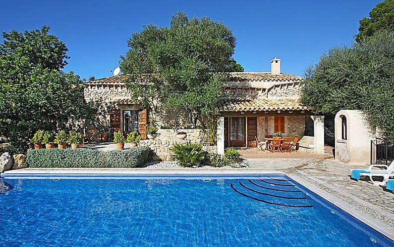Casa para 6 personas con piscina sineu mallorca for Casa rural para 15 personas con piscina