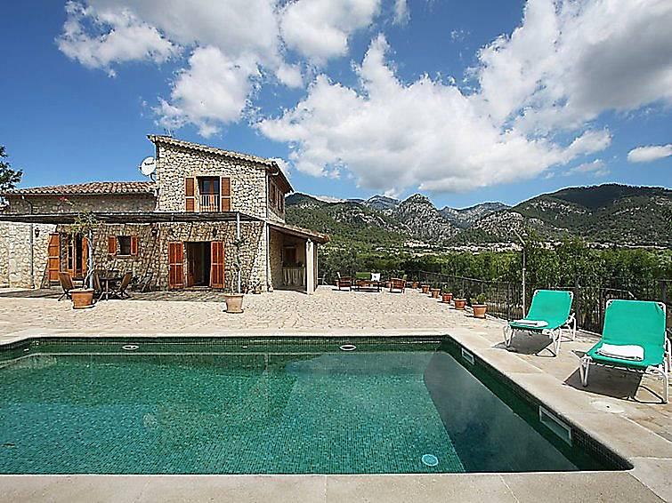 Casa para 4 personas con piscina selva mallorca sierra for Casas con piscina mallorca