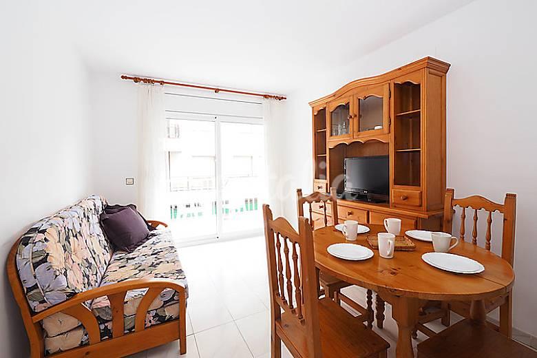Apartamento en alquiler a 300 m de la playa mas oliva roses girona gerona empord - Alquiler de apartamentos en oliva playa ...