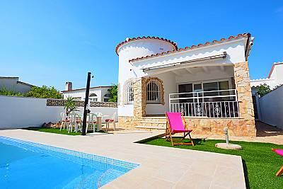 Villa en alquiler a 1200 m de la playa Girona/Gerona