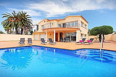 Villa en alquiler a 900 m de la playa Girona/Gerona