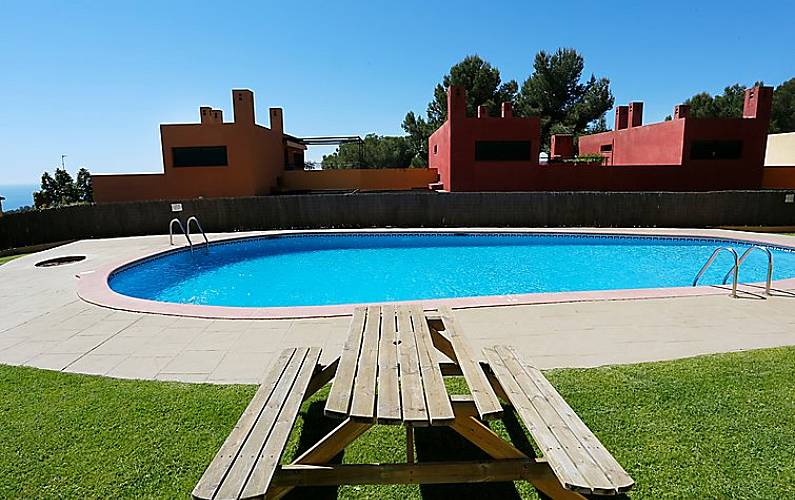 Casa en alquiler a 1000 m de la playa tamarit tarragona for Apartamentos jardin playa larga tarragona