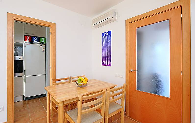 Casa en alquiler con piscina nulles tarragona costa dorada for Apartamentos alquiler con piscina