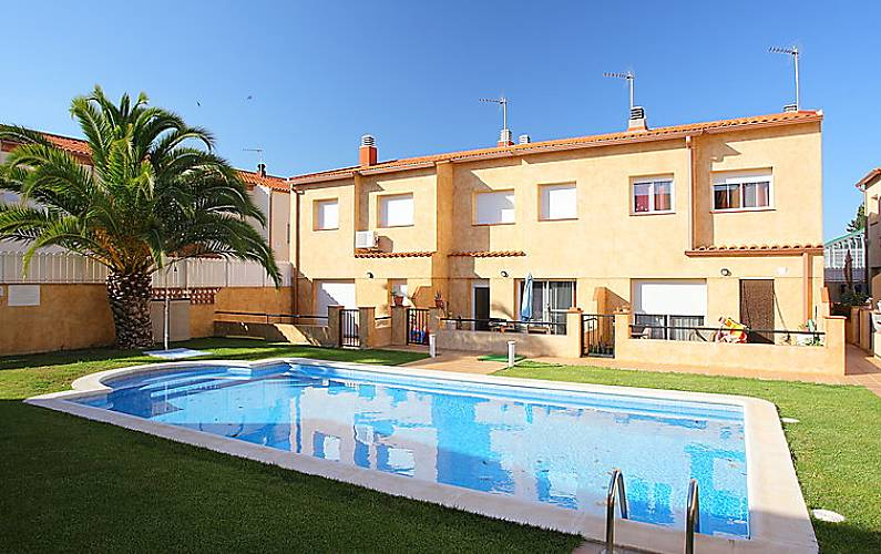 Casa en alquiler con piscina nulles tarragona costa dorada - Casa con piscina alquiler verano ...