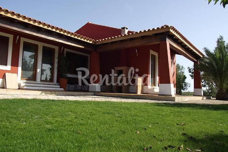 4 Apartments for 2-3 people each one 5 km from the beach Algarve-Faro