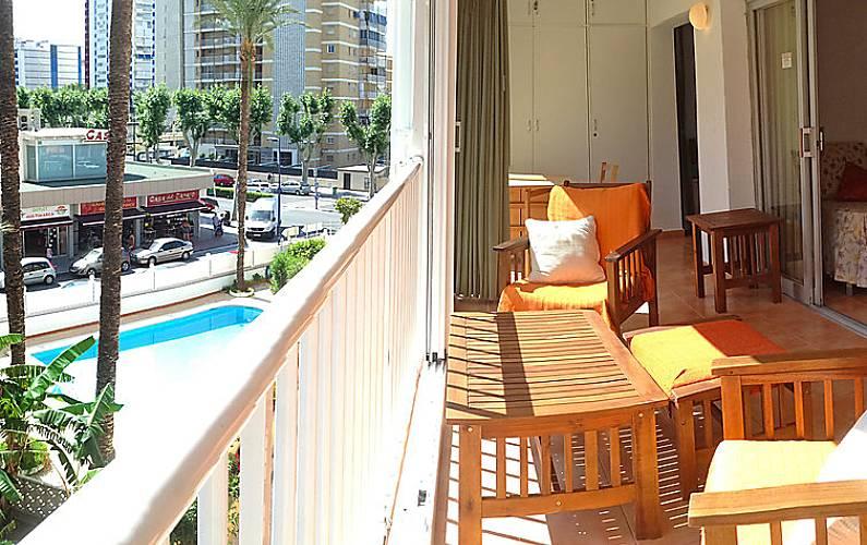 Apartamento en alquiler a 100 m de la playa coblanca - Apartamentos de alquiler en benidorm baratos ...