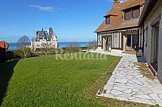 Villa for 10 people only 850 meters from the beach Calvados