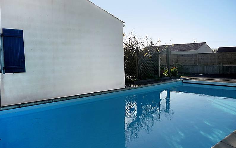 Villa en location avec piscine la plaine sur mer loire - Piscine thouare sur loire ...