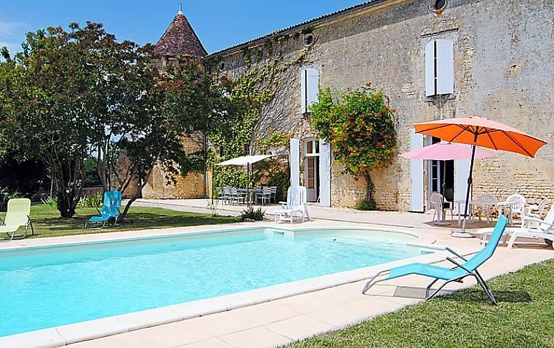 Villa en location avec piscine villars en pons charente for Villa charente maritime avec piscine