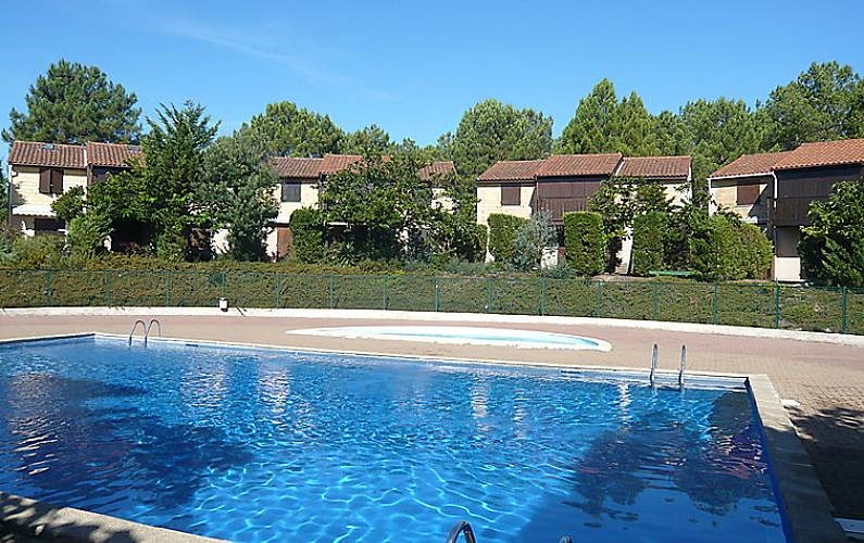 maison en location avec piscine lacanau gironde