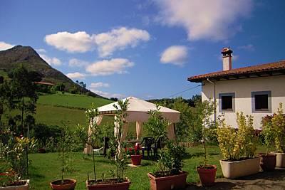 Casa con Jardin. Entre Mar y Montañas Asturias