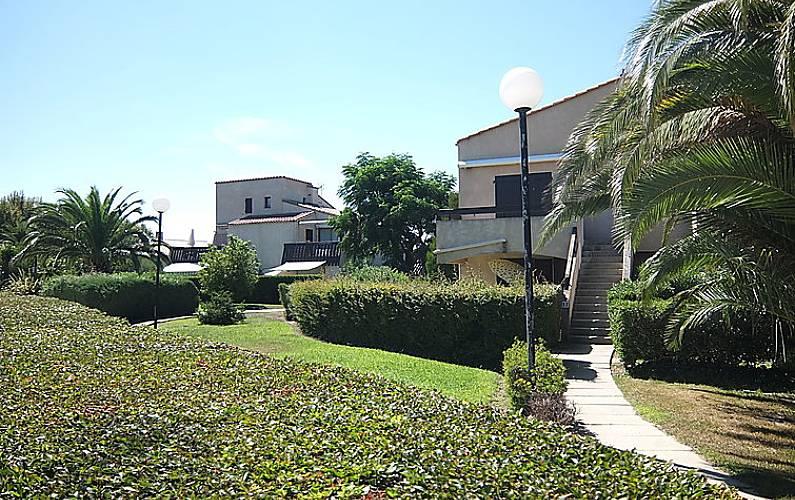 Appartamento in affitto a 1500 m dalla spiaggia saint for Piani di bungalow di 1500 m