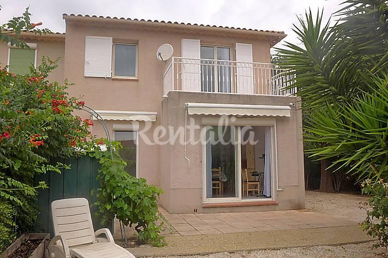 Casa en alquiler con piscina saint cyr sur mer var for Alquiler casas con piscina