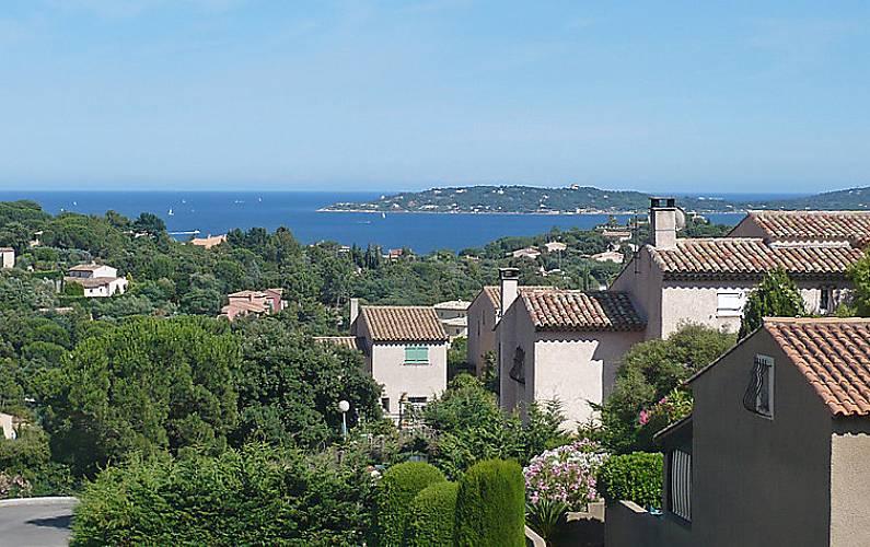 Casa para 4 pessoas em var sainte maxime var for Provence mobiliario