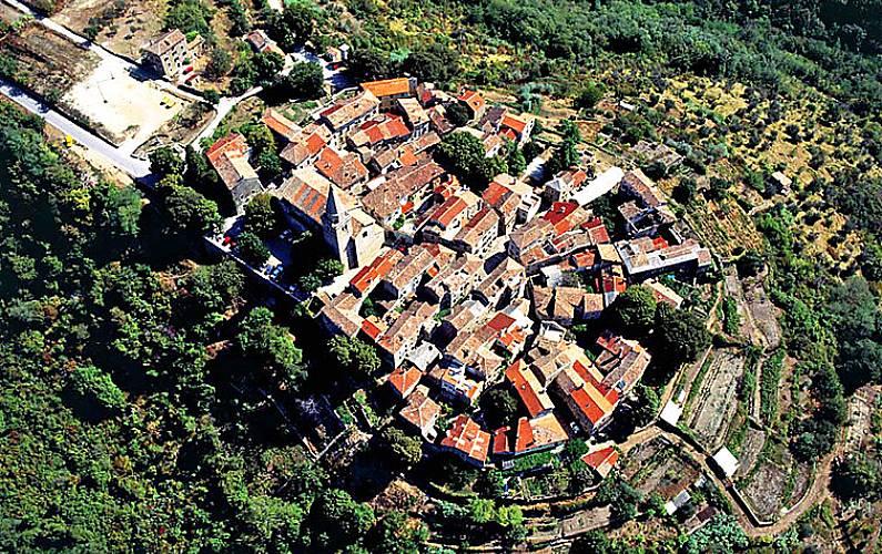 Casa per 4 persone a peroj bijele zemlje groznjan istria for Piani di casa francese in tudor