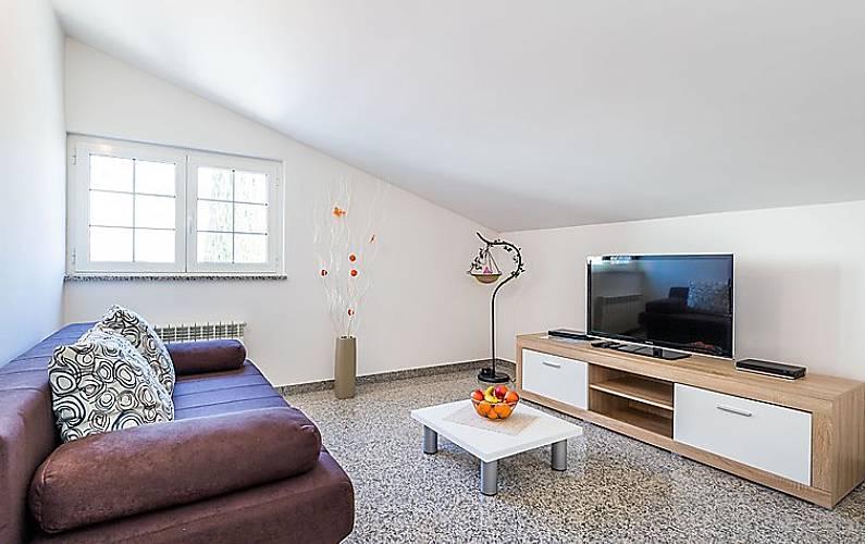 Appartamento per 4 persone a pula pula istria for Appartamento amsterdam 8 persone